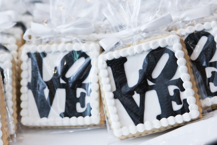 love cookie wedding favors - two little birds planning